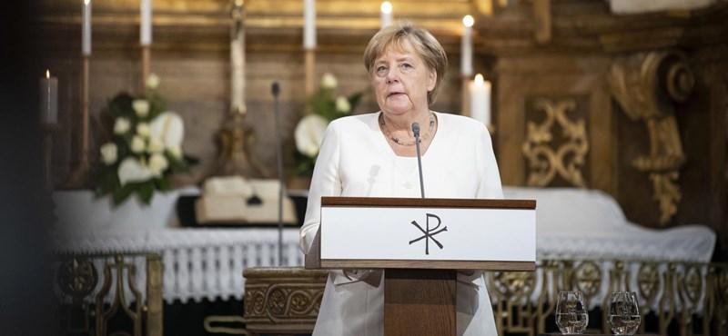 Merkel és Erdogan telefonon egyeztetett a menekültválságról