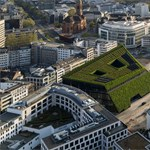 Harmincezer növénnyel borítottak be Düsseldorfban egy irodaházat