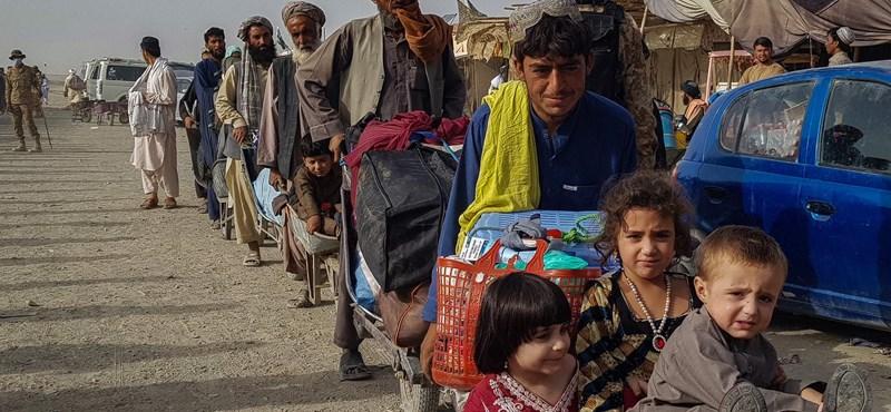 Cinco mil afganos serán admitidos en los Emiratos Árabes Unidos, pero solo por 10 días