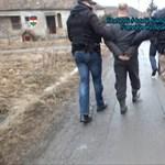 Letérdepeltették a nyomozók Csernely egyik rettegett uzsorását – videó