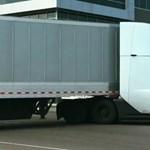 Elvileg néma, de mégis van egy egészen szokatlan hangja a Tesla kamionjának