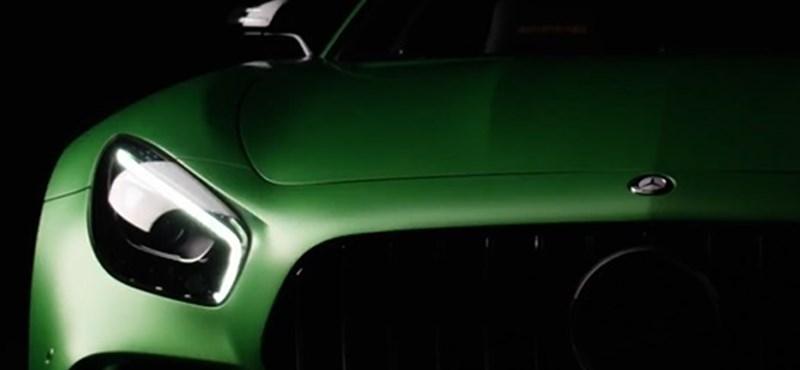 Ilyen ügyesen kell felvezetni egy vadállat sportautót, ahogy a Mercedes csinálta – videó