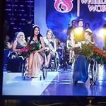 Fehérorosz lány győzött az első kerekesszékes világszépségversenyen