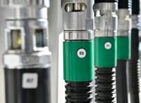 Az olcsóbb üzemanyag- és ruhaárak nyomták le az inflációt