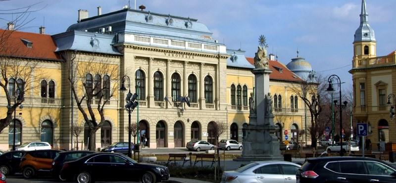 Egy fideszes képviselő családjának cége százmilliókért nyert el megbízásokat Cegléden