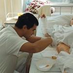 Hamis orvosi diplomával dolgozott a sürgősségi osztályon egy román férfi