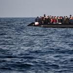 Több mint száz menekülő fulladt a tengerbe