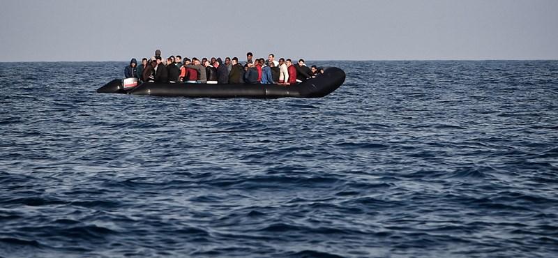 Újabb 44 embert mentett ki a Sea-Eye hajója a Földközi-tengeren