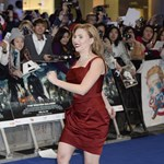 Fotó: Scarlett Johansson megmutatta, hogy kell tűsarkúban futni