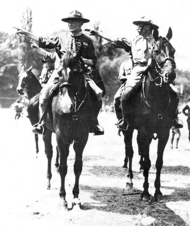 Lord Robert Baden-Powell of Bilwell, a cserkészet megalapítója és Teleki Pál az 1933-as gödöllői dzsemborin - cserkészet, cserkész, cserknagy