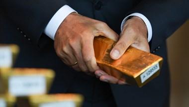 27 millió forintot érő aranyrudakat talált a konyhaszekrényében egy német férfi