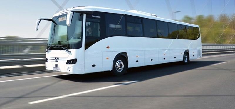 Itt a legújabb magyar távolsági busz