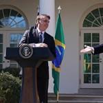 A brazil elnök saját fiát tenné meg washingtoni nagykövetnek