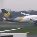 Videó: Nagyot küzdöttek a pilóták, hogy letegyék a gépeket Manchesterben