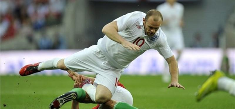 Rooney a médiabotrány ellenére nem marad ki a válogatottból