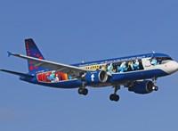 Megérkezett Ferihegyre a repülő, amit Törpilla és Törpapa irányítanak – videó