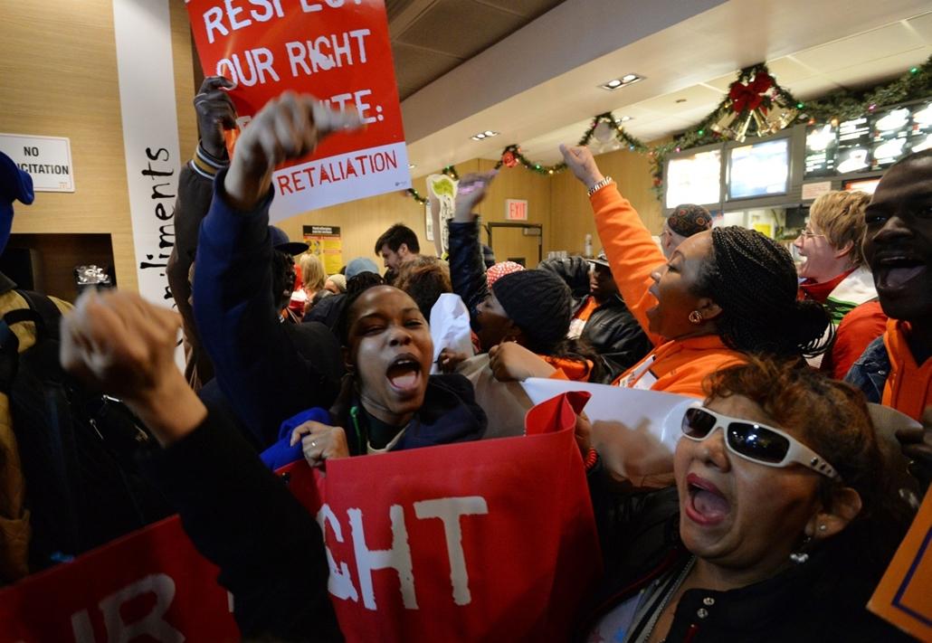 hét képei nagyítás 1202-1207 - McDonald's, dolgozók, munkavállaló, tüntetés, órabér 2013.12.05.