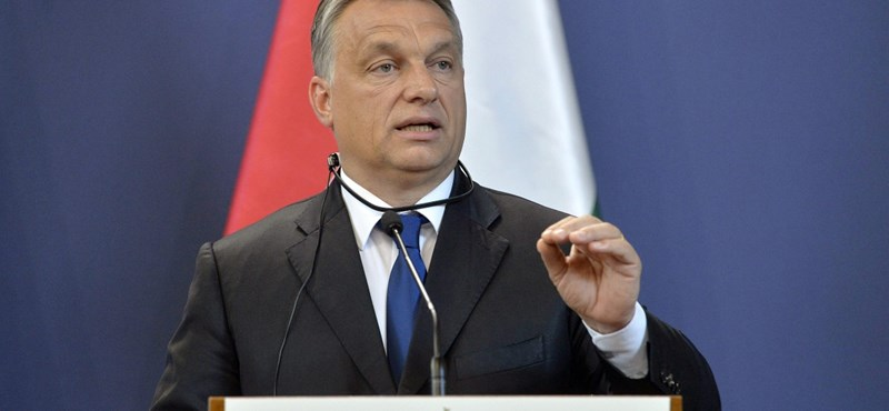 """""""Ria, ria Hungária"""" zengett Prágában – Orbánékért tüntettek"""