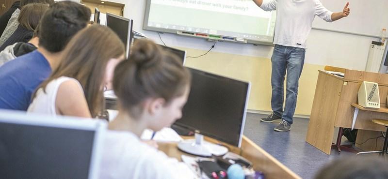 Megunták, hogy valami nagy baj van a magyar oktatással, újításba kezdtek