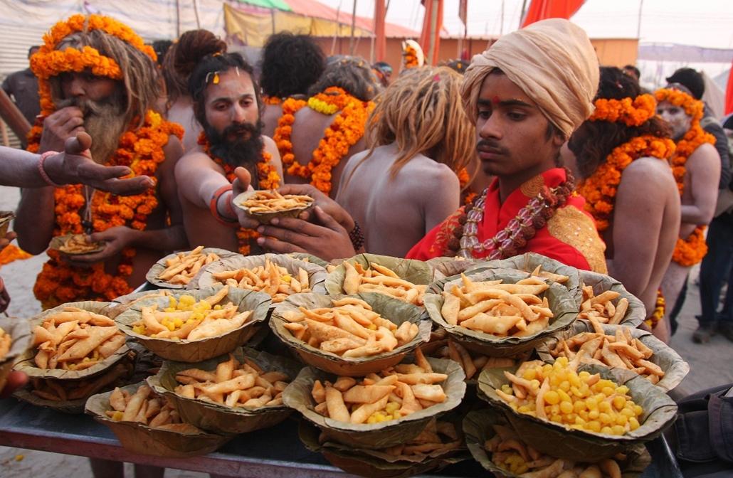 Maha Kumbh Mela - Hindu ünnep Indiában - nagyítás