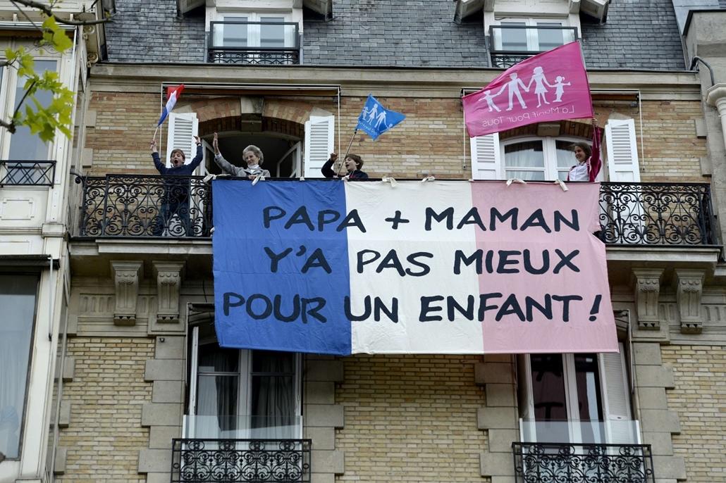 Melegházasság elleni tüntetés Franciaországban május 26-27.