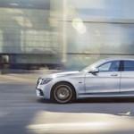 367 lóerős ez a Mercedes, de annyit fogyaszt 100 km-en, mint egy Prius