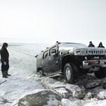 Hummerrel még mindig nem biztonságos a Balaton jege