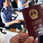 Letelepedési kötvények helyett most a tartózkodási engedélyeket szórják