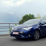 Toyota Avensis-teszt: tökéletes középpályás