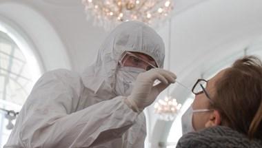 Koronavírus:143 halott, 6369 fertőzött