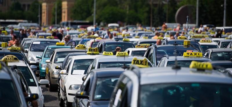 Vitézy: nem tudjuk a taxisokat saját maguktól megvédeni