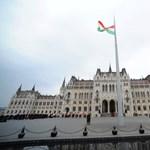 Kósa nem viccel: tényleg hálóval vadásszák le a Parlamenthez repülő drónokat