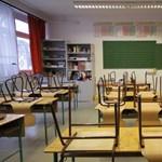 Ismét emelkednek a tanári fizetések