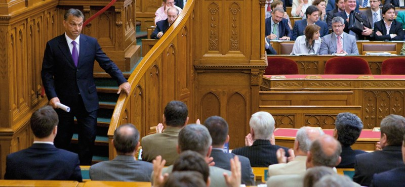 Orbán harcba hív az energiaszolgáltatók ellen – percről percre