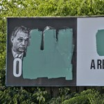 Tövig bonthatják a Jobbik plakáthelyeit