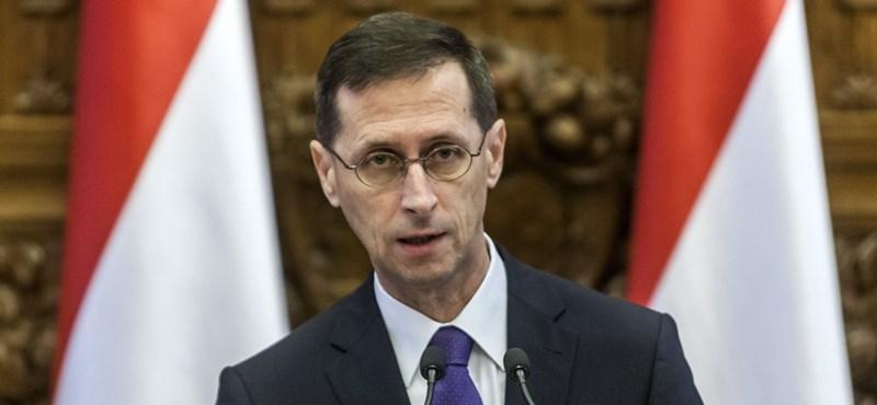 A hitelezők fizetnek a magyar államnak, hogy kölcsön adhassanak neki