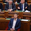 Jakab Péter újra elfoglalta Orbán parlamenti székét