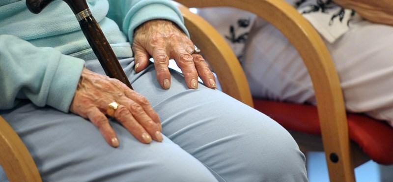 Kamu gyógymatracokkal és légtisztítókkal vert át időseket egy termékbemutatós bűnbanda