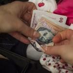 K&H: a fiatalok 33 százaléka elégedett pénzügyi helyzetével