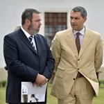 """Szállingóznak Lázár minisztériumába Hiller """"gyanús"""" emberei"""