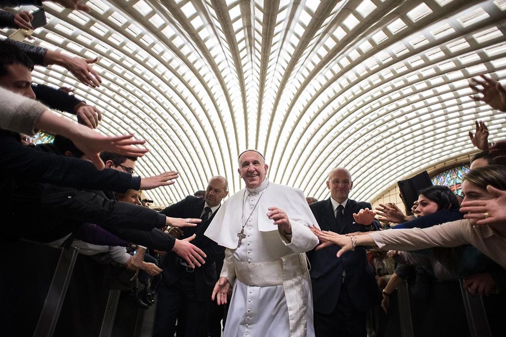 afp.15.02.21. - Cassano all'Ionio, Olaszország: Ferenc pápa látogatása a Cosenza megyében található Cassano all'Ionio városába. - évképei