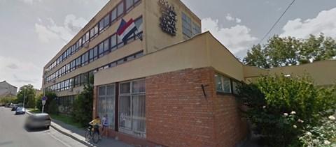 43 tanárt jelentett fel a bajai szakközép egykori igazgatója