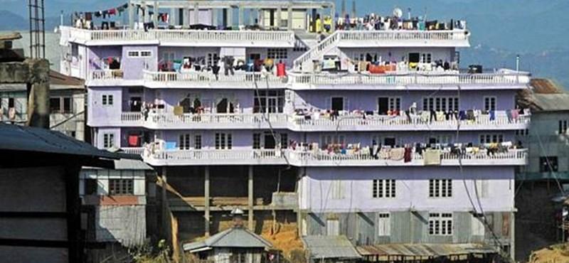 Itt lakik Mizo Man és családja - 39 feleség, 94 gyermek, 25 anyós