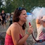 A vízipipázás veszélyesebb lehet, mint a dohányzás más formái