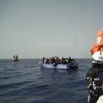 Két év alatt tizedére csökkent az Olaszországba tengeren érkező menekültek száma