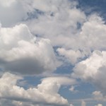 Kutyamelegre és zivatarokra figyelmeztet a meteorológia