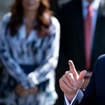 Szélesedik Trump botránya, a törvényhozók a Putyinnal folytatott beszélgetés részleteit is kérik
