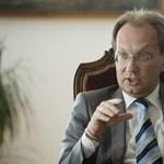 Szabad Pécs: Hangos köhögéssel reagált a közönség Hoppál Péter kínos beszédére