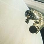 """Meglepődtek a tudósok: """"nagy ürességet"""" talált a haláltáncát járó Cassini űrszonda"""