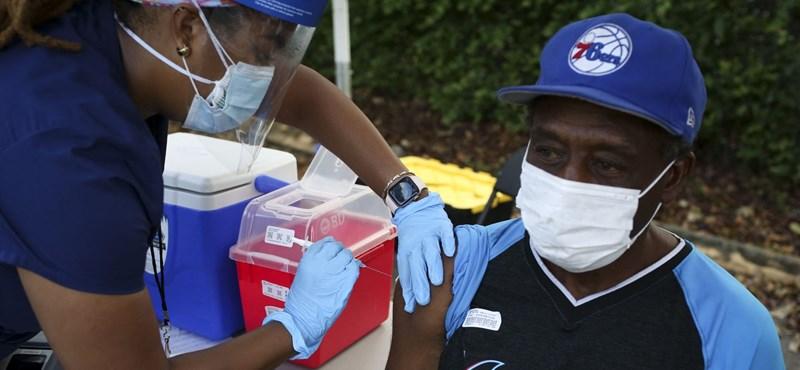 Debido a la prevalencia de la variante delta en los Estados Unidos, la vacunación también es prevalente